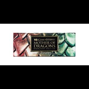 URBAN DECAY GOT MOTHER OF DRAGONS HIGHLIGHTPALETTE